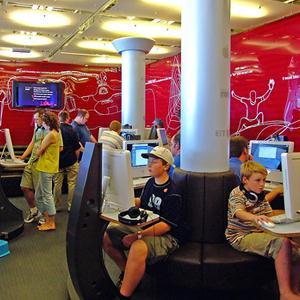 Интернет-кафе Колы